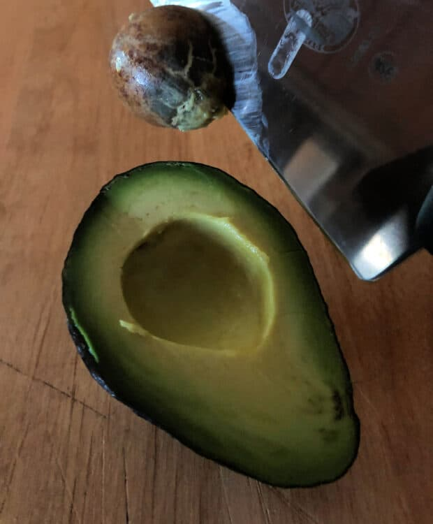 safe pit removal from avocado tips for cutting