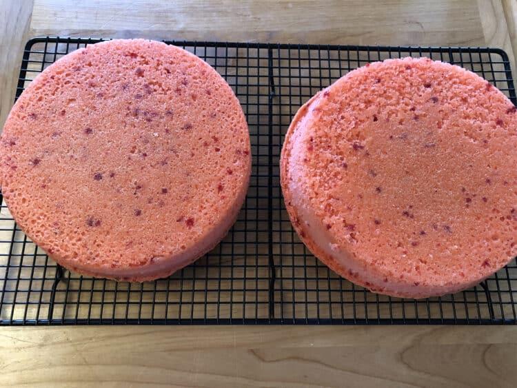 Strawberry cake rounds