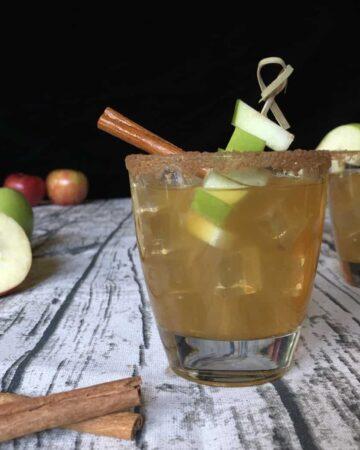 caramel apple cider vodka cocktai;
