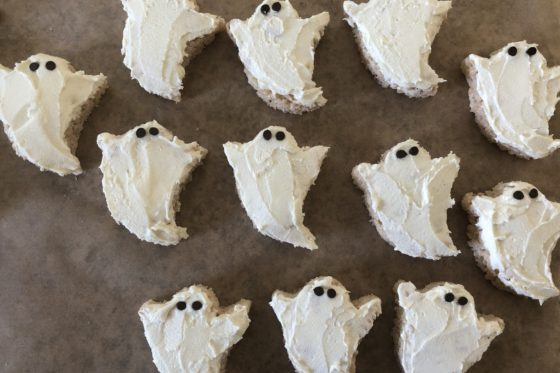 group of rice krispie treats decorated as ghosts