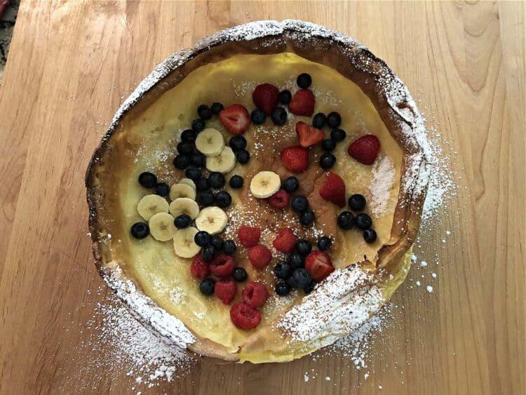 Fruit filling in the pancake