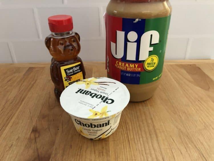 Ingredients: honey, Greek yogurt with peanut butter