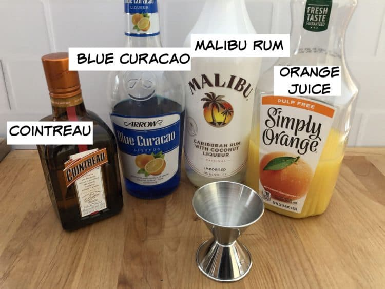 ingredients: curacao, Cointreau, rum and orange juice