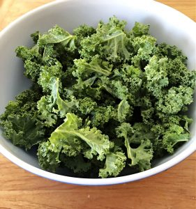 kale leaves before massaging
