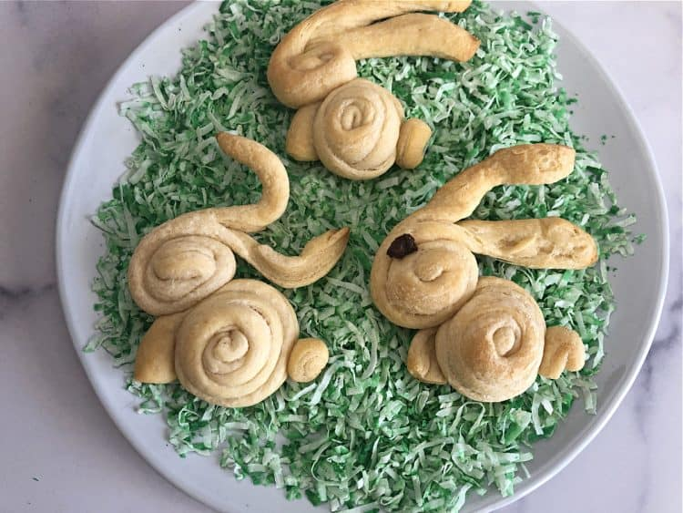 3 bunny dinner rolls on green tinted edible easter grasse